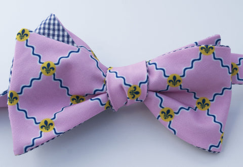 St. Louis Flag Bow Tie - pink