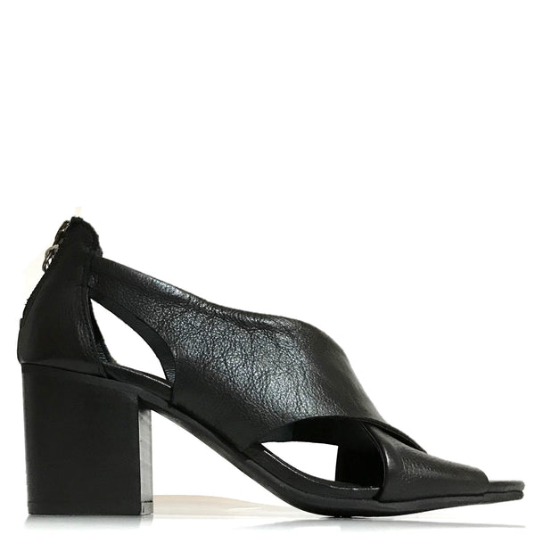 Felmini Farrah Sandal in Black