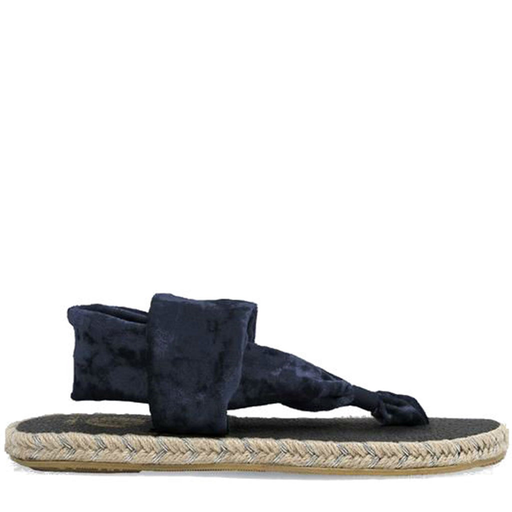 Go glam this summer with the richness of velvet in our Ganika espadrille. Nalho brings you the same comfort of the original yoga mat sandal, now with the luxurious softness of plush velvet. Your summer just got a little more elegant... so comfortable you may never want to take these off!