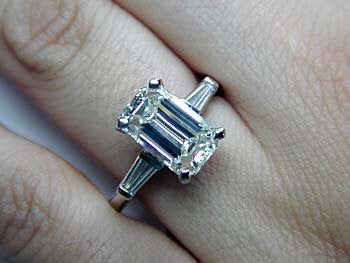 2.27ct G-VS2 Emerald cut Diamond Engagement Ring Platinum GIA certified JEWELFORME BLUE