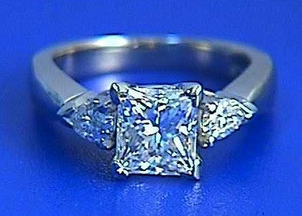 2.30ct F-VS2 Princess Cut Diamond and Pear Shape Engagement Ring 18kt JEWELFORME BLUE GIA EGL