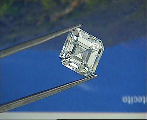 0.37ct E-VS2  Asscher cut Loose Diamond GIA certified JEWELFORME BLUE