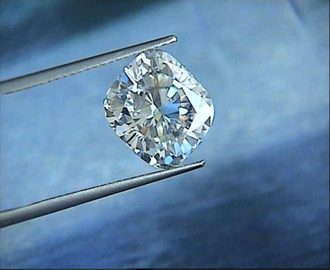 0.95ct I-VVS2 Cushion Diamond Loose Diamond GIA certified JEWELFORME BLUE