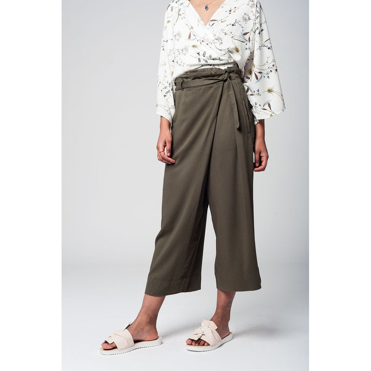 Khaki culotte with tie waist and stretch back