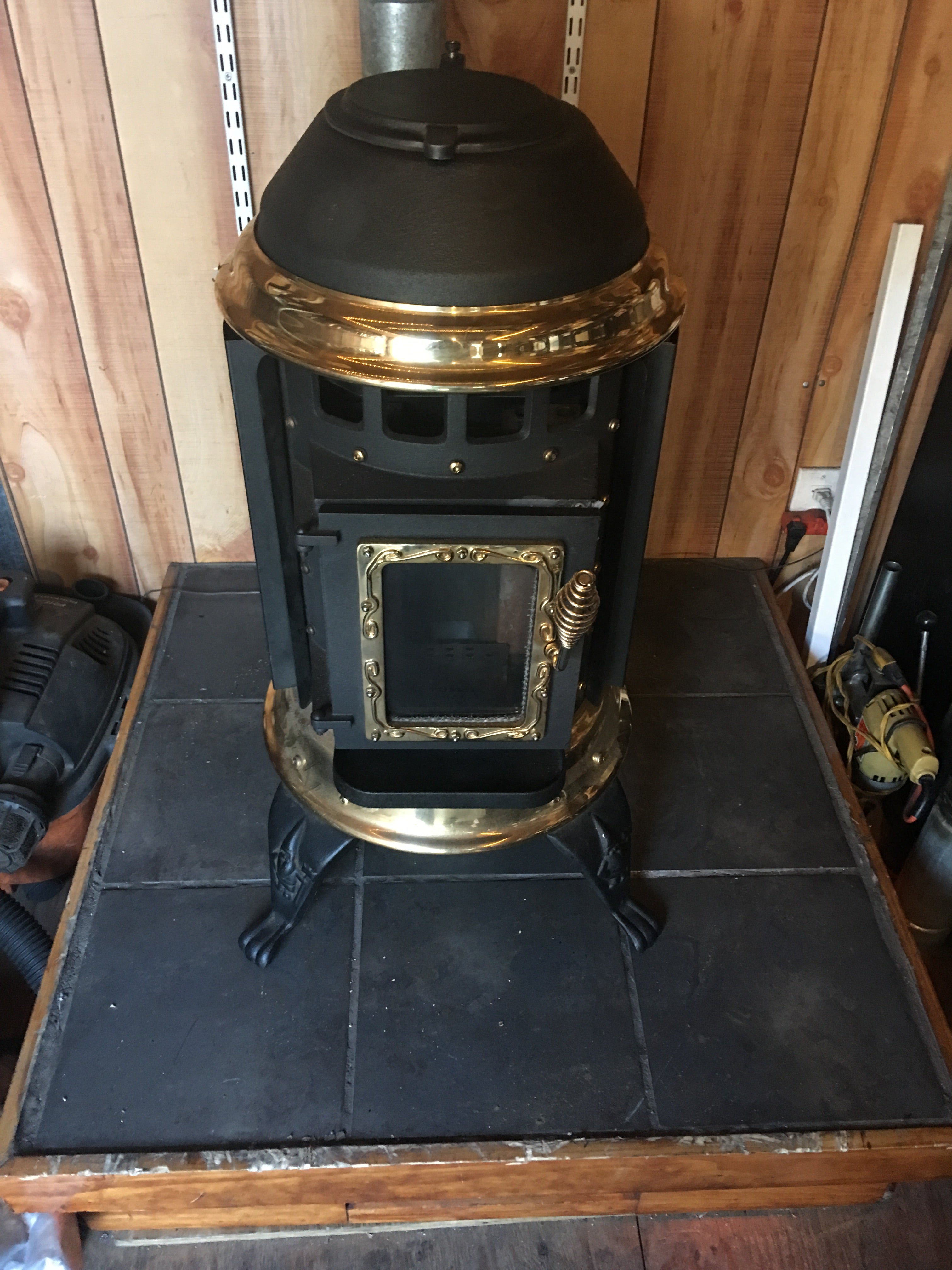 Thelin - Gnome Pellet Stove 27k BTUs for up to 750 SqFt $1595 00