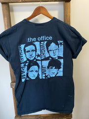 "The Office ""Dunder Mifflin"" (Retro T-Shirt)"