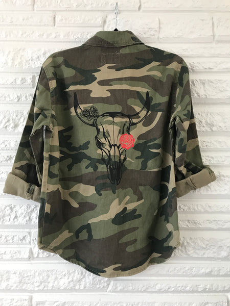 Skull Camo Red Rose Medium Weight Snap Button-down Size Small