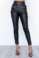 Back It Up Pants - Black
