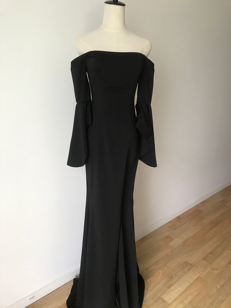 BLACK OFF SHOULDER GOWN WITH LEG SPLIT XS