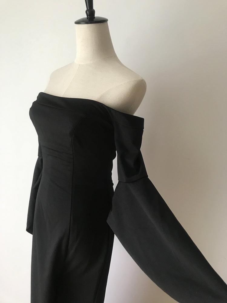 BLACK OFF SHOULDER GOWN WITH LEG SPLIT XS - STYLE STRUCK