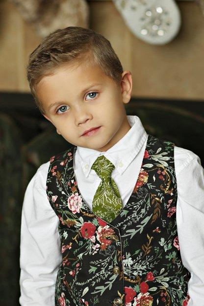 Mustard Pie Holiday 2018 Boys Necktie in Holly