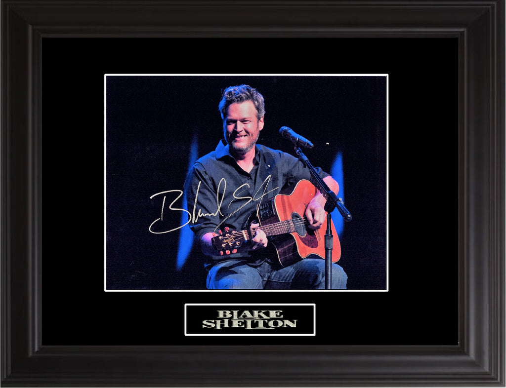 Blake Shelton Autographed Photo - Zion Graphic Collectibles