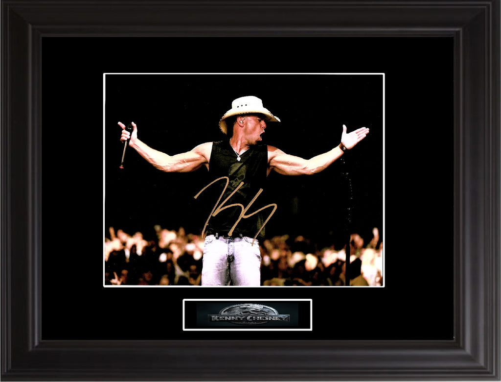 Kenny Chesney Autographed photo - Zion Graphic Collectibles