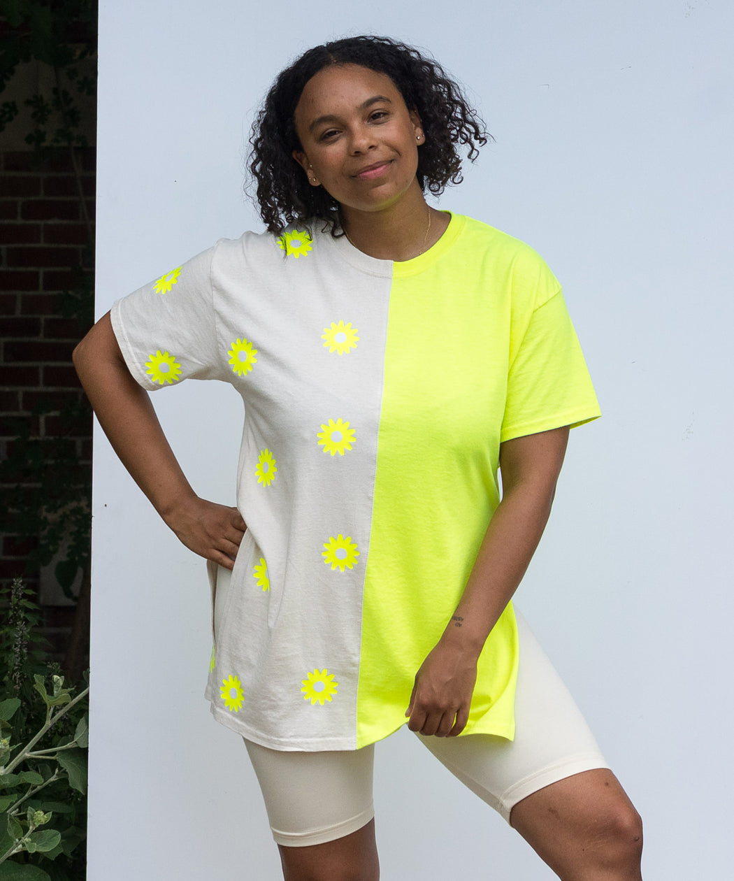 Neon Daisy Split Billboard Tee