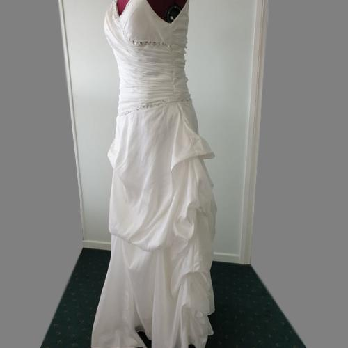 SN24 - Taffeta Silk Ruffled Wedding Gown