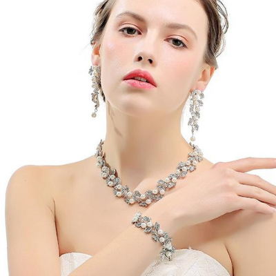 Amora -  Pearl Bridal Jewelry Set