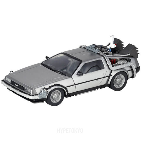 back-to-the-future-revoltech-delorean_HYPETOKYO_1