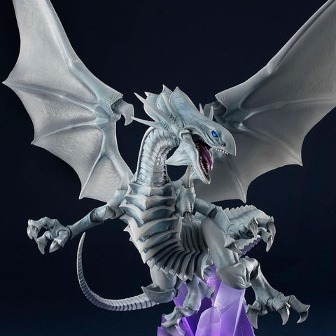 yu-gi-oh-duel-monsters-art-works-monsters-mega-house-non-scale-figure-blue-eyes-white-dragon_HYPETOKYO_1