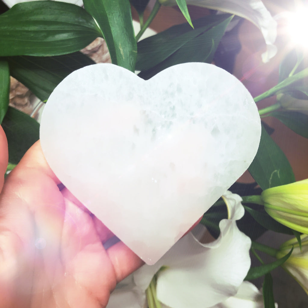 Selenite Angel Charging Heart Plates 💕👼🏼💕🙏🏼