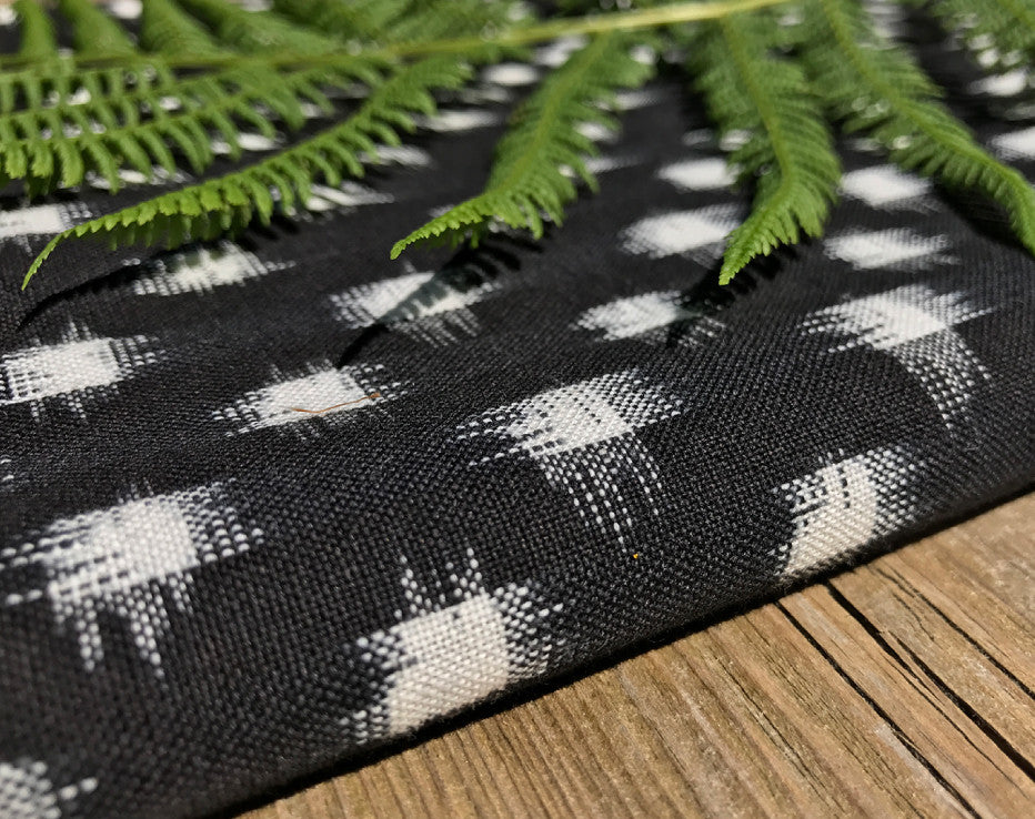 BOLT END Spot Mono Ikat Indian Handloom Cotton