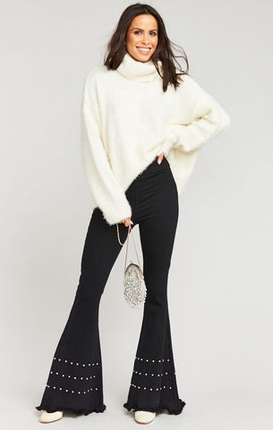 Fatima Turtleneck Sweater - Fuzzy White Knit