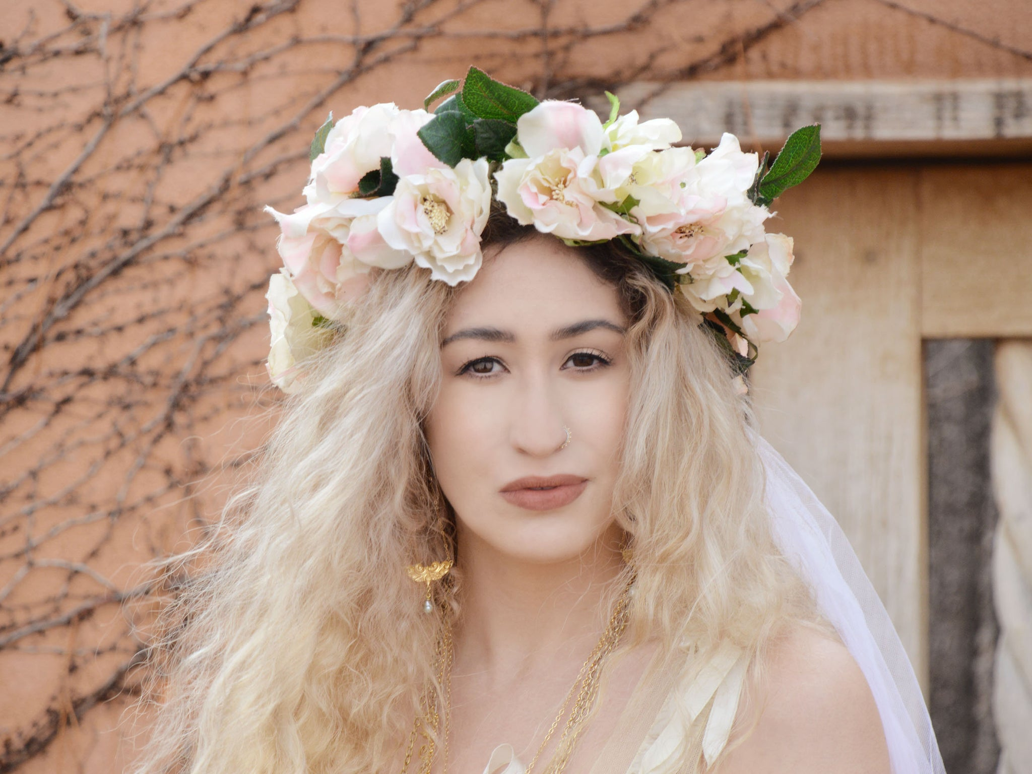 bridal flower crown with long veil