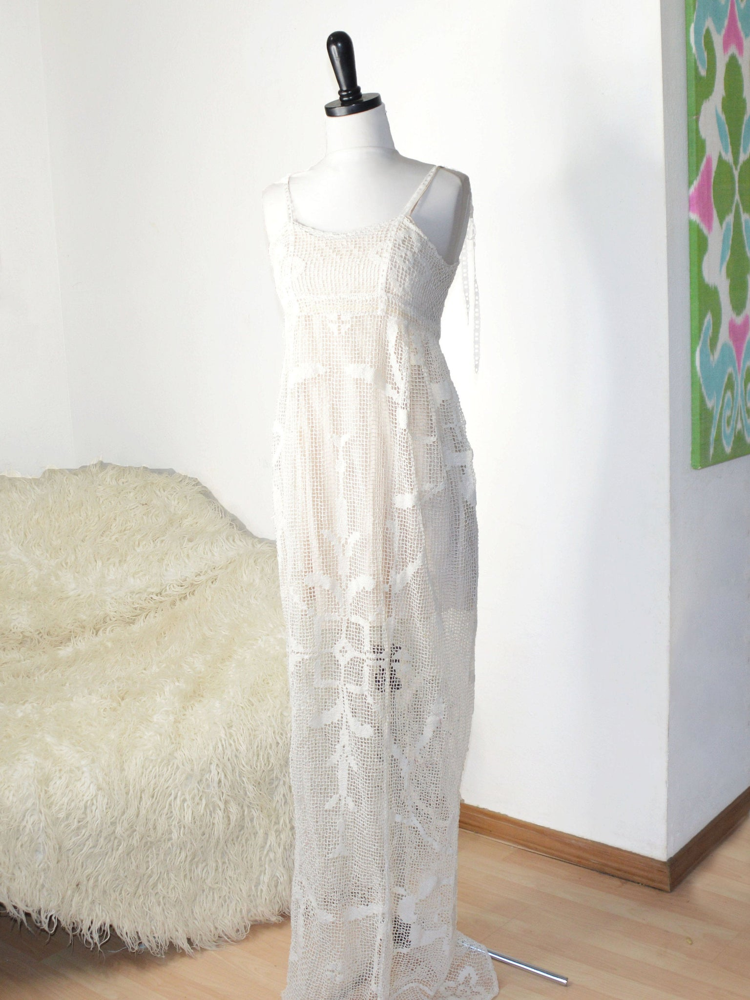 1920s style wedding gown in crochet lace.