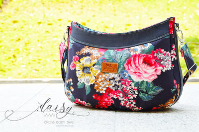 The Daisy Cross Body bag by Blue Calla Sewing Patterns (Printed Paper Pattern)
