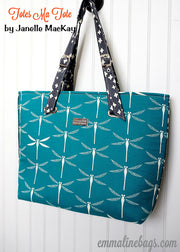 The Totes Ma Tote cris-cross Pattern