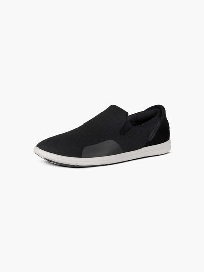 Strike Movement Traveller AF slip-on shoes for broad-spectrum performance in Phantom black and white