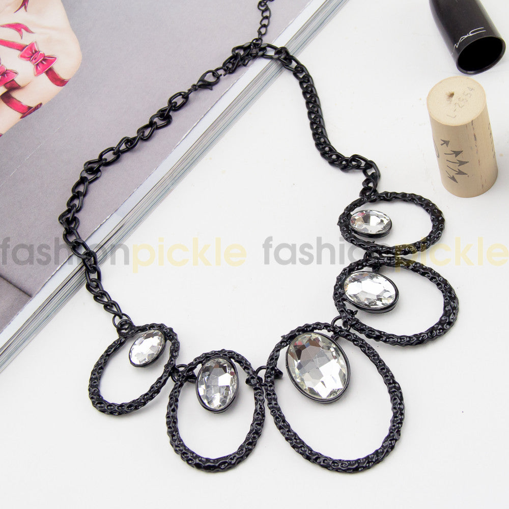 Perth Statement Necklace   Black