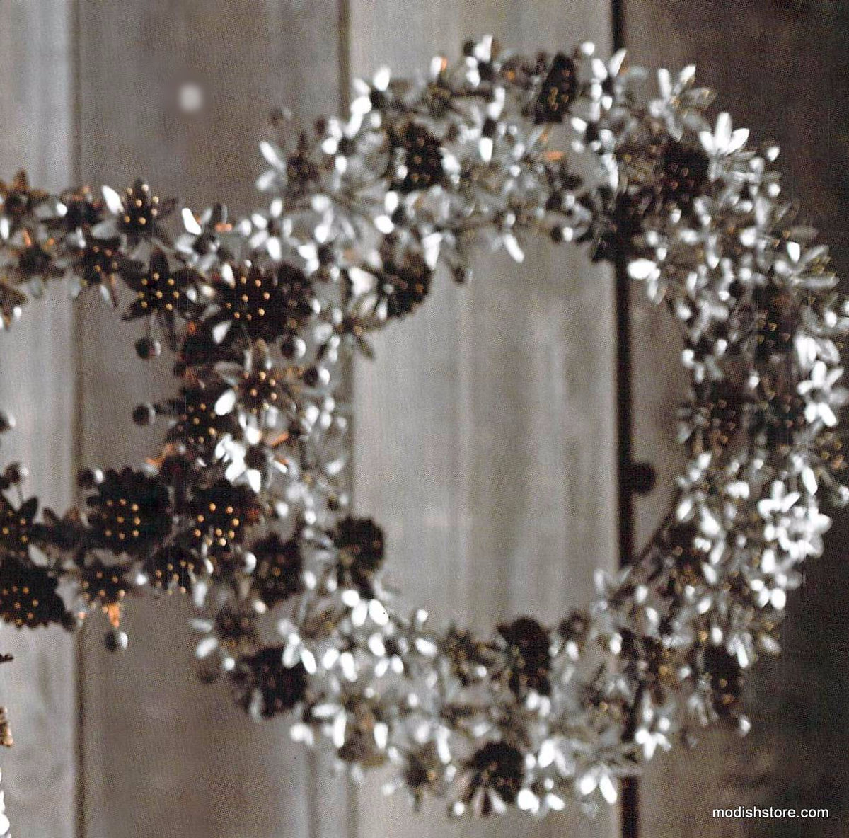 Roost Festive Lily Collection - Wreaths