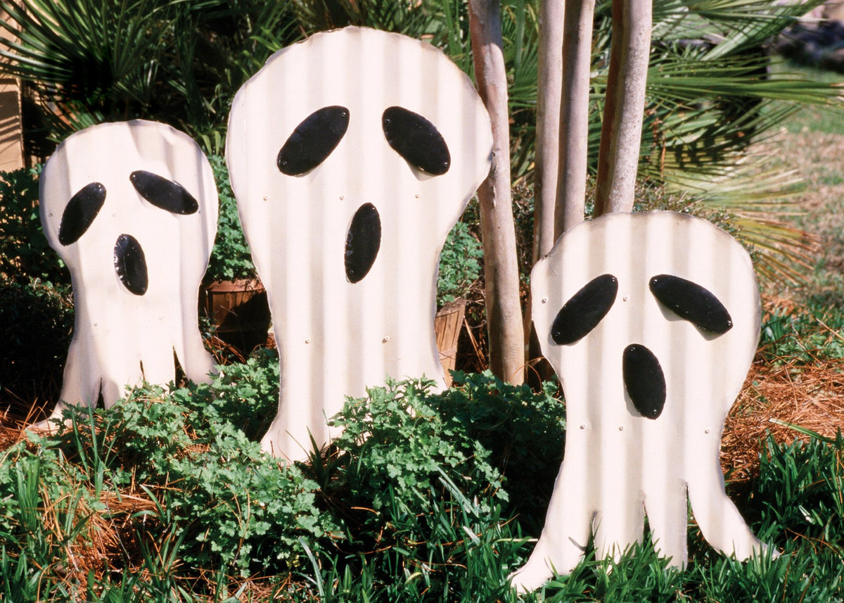 Kalalou Painted Metal Ghosts Yard Stakes - Set Of 3