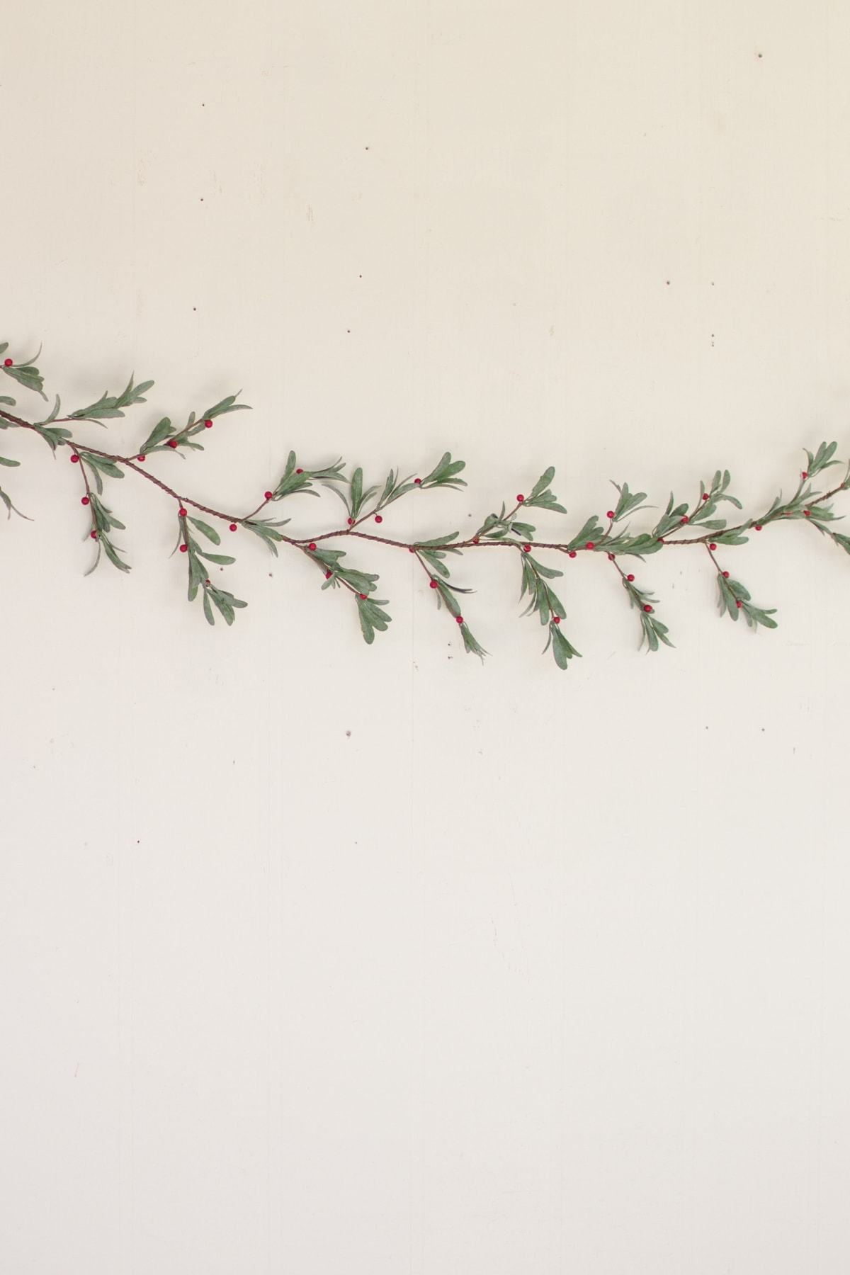 Kalalou Artificial Mistletoe Garland - Set of 2