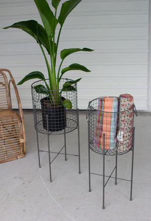 Kalalou Set Of 2 Wire Mesh Baskets On Stands