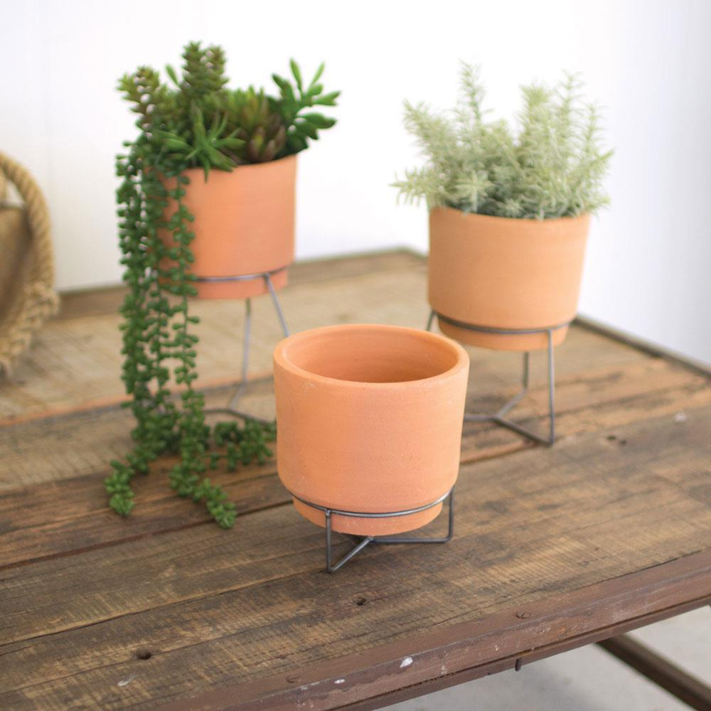 Kalalou Set Of 3 Natural Clay Planters With Wire Bases