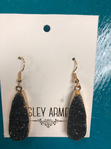 Kinsley Armelle Raven Drop Earrings
