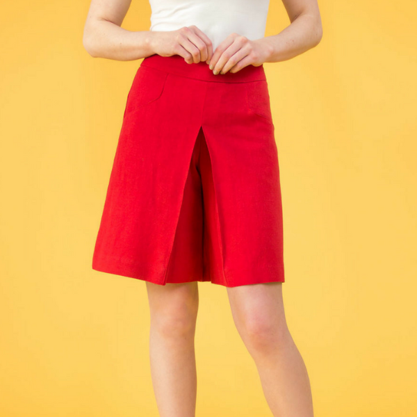Ola Shorts (True Red)