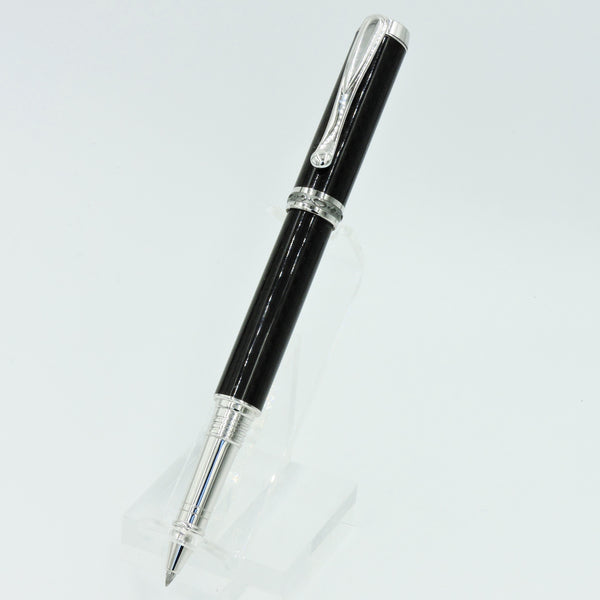 Jr. Statesman Rollerball, rhodium & black titanium barrels crafted from black carbon fiber