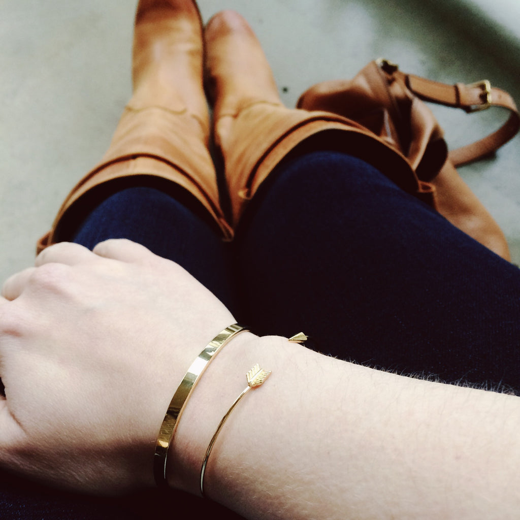 Dainty Gold Bangle Bracelets by TomShot
