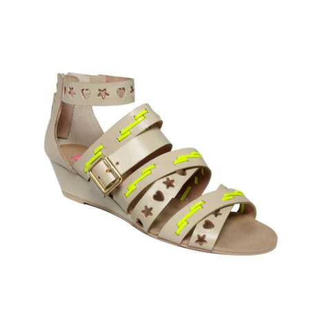 Betsey Johnson Women's Bollt Wedge Sandal 8 Tan (NWOB)