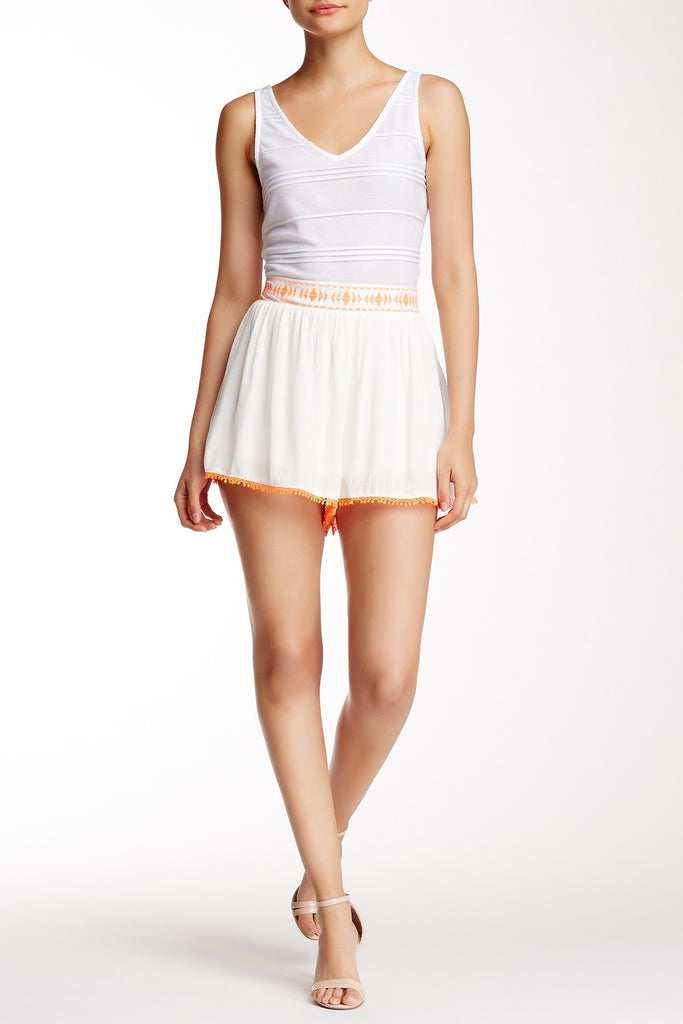 Lush Embroidered Short L Off-White