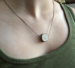 Ultra Thinline Delicate Essential Oil Diffuser Necklace -- FREE SHIPPING