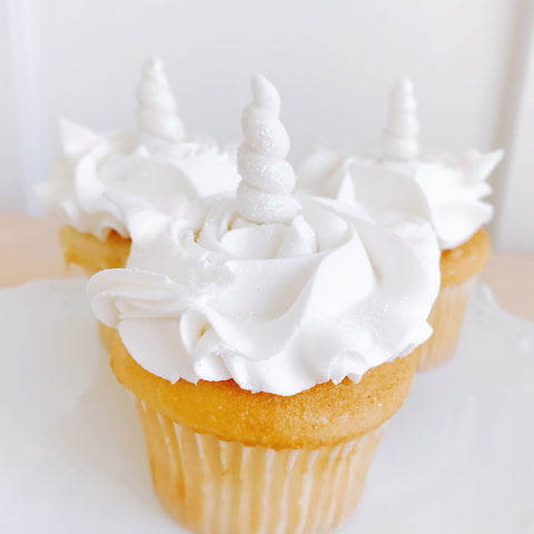White Rosette Cupcakes with Unicorn Horn