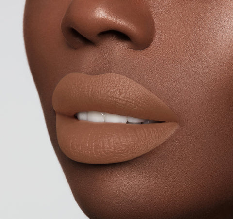 MATTE LIPSTICK - BOO ON MODEL