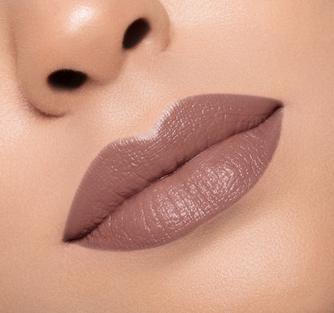 CREAM LIPSTICK - SHADY ON MODEL
