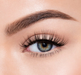 PREMIUM LASHES -  TEASE 'EM ON MODEL
