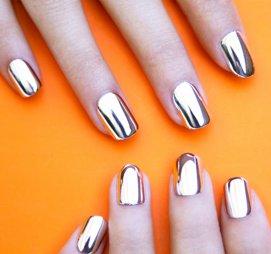 CHROMETASTIC LUXE MANICURE ON MODEL