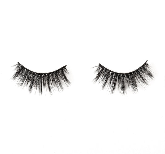 STAND OUT LASHES