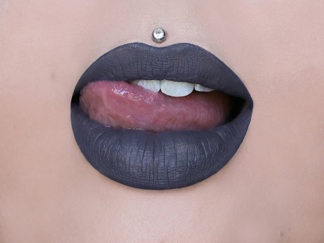VELOUR LIQUID LIPSTICK - MEDUSA ON MODEL
